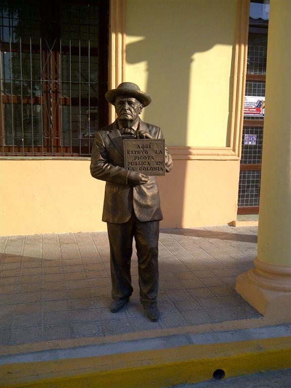 En la Plaza de la Marqueta, Holguín. Foto: Alberto S. Corona García / Cubadebate