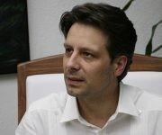 Guillaume Long, Ministerio de Relaciones Exteriores y Movilidad Humana del Ecuador, ofrece declaraciones a la prensa en el marco del XV Consejo Político de la Alianza Bolivariana para los Pueblos de Nuestra América-Tratado de Comercio de los Pueblos (ALBA-TCP), en La Habana, Cuba, el 10 de abril de 2017. ACN FOTO. Abel PADRÓN PADILLA/sdl