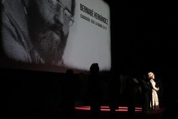 En la inauguración se rindió homenaje a Bernabé Hernández. Foto tomada del sitio oficial de la Muestra Joven.