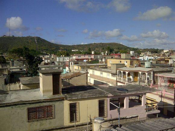 Loma de la Cruz y la Ciudad de Holguín. Foto; Alberto S. Corona García / Cubadebate