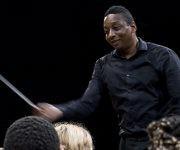 El afamado y joven director de orquesta, Marlon Daniel, visita Cuba. Foto: Jennifer Romero/ Cubadebate.