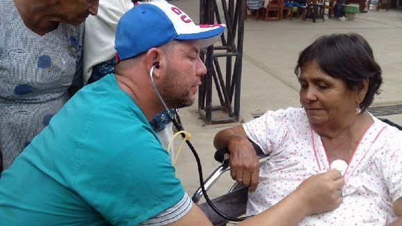 More Than 1000 Peruvians Already Treated by Cuban Medical Brigade