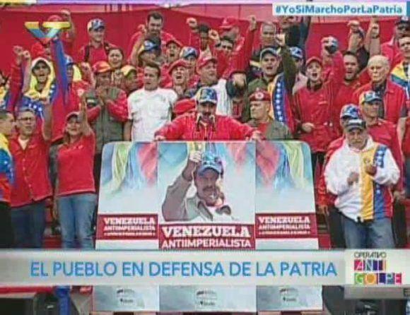El pueblo en defensa de la Patria