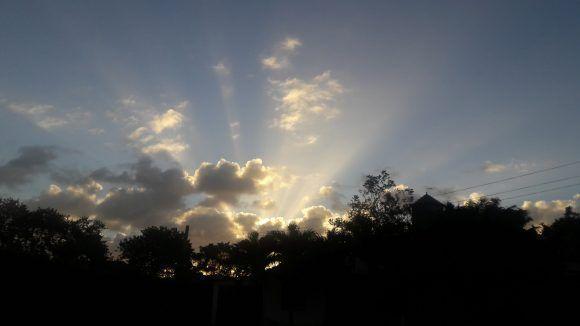 Nuevo amanecer en Santa Clara. Foto: Eloy Mateo / Cubadebate
