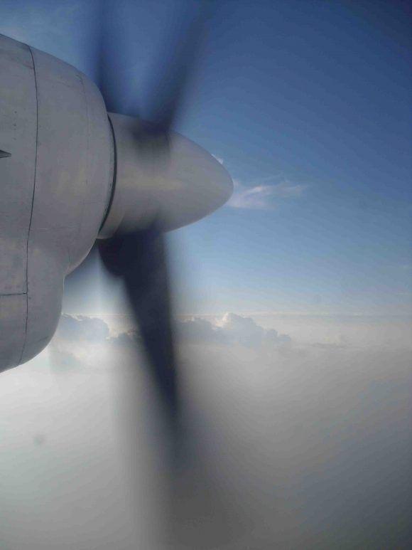 Rompiendo las nubes. Foto: Sergio Cruz Castillo, CIGB / Cubadebate