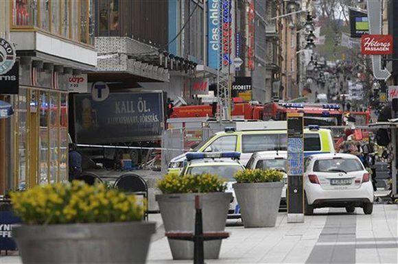 Se han reportado cinco muertos atropellados por el camión. Foto: Anders Wiklund/ TT News Agency.