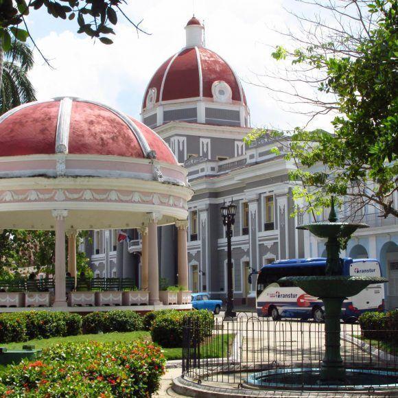Glorieta del Parque principal de la ciudad de Cienfuegos. Foto: María Guardado /Cubadebate