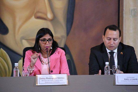 Delcy Rodríguez durante la rueda de prensa en la Casa Amarilla. Foto: @VenCancilleria/ Twitter.