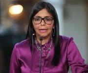 Delcy Rodríguez durante la alocuición televisiva en la que divulgó la salida de Venezuela de la OEA. Foto: @DrodriguezVen/ Twitter.
