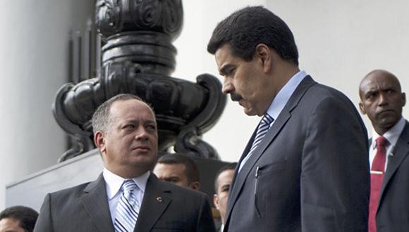 Diosdado Cabello y Nicolás Maduro. Foto: AFP/ Juan Barreto.