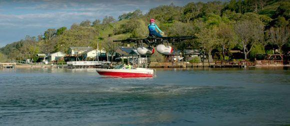El Kitty Hawk puede volar a unos 4 km/h pero solo funciona sobre agua. Foto: Kitty Hawk/ Youtube.