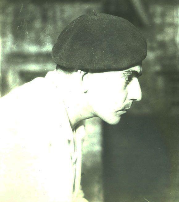 Las características de la foto, un perfil de Pablo con boina, revelan tras el lente la presencia de un maestro.
