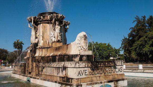 Fuente de Las Américas, a la salida del túnel de 5ta. avenida, en el municipio Playa, en La Habana, 18 de abril de 2017. Foto: Diana Inés Rodríguez/ACN.