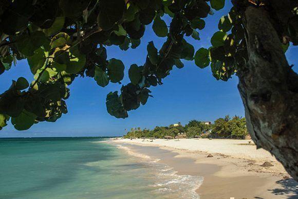 Fotografía de archivo de la playa Guardalavaca, ubicada en el municipio de Banes, provincia de Holguín, Cuba. ACN FOTO/Juan Pablo CARRERAS