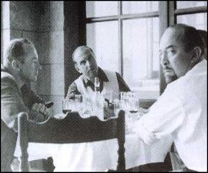 """El """"aparato"""" en París: el agente de la CIA y presidente del Congreso para la Libertad Cultural Michael Josselson (centro) en un almuerzo de trabajo con John Clinton Hunt y Melvin Lasky (dcha.)"""