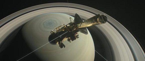 Imagen virtual de la nave Cassini sobrevolando Saturno. Foto: NASA.