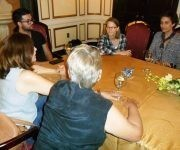 Jodie Foster visita el Cenesex. Foto: Tomada del Facebook de Mariela Castro Espín.
