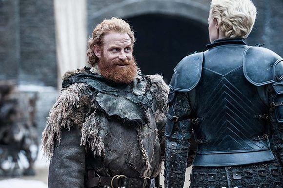 """Y Tormund el """"Matagigantes"""" persiste en sus intentos de enamorar a Brienne de Tarth. Foto: HBO."""