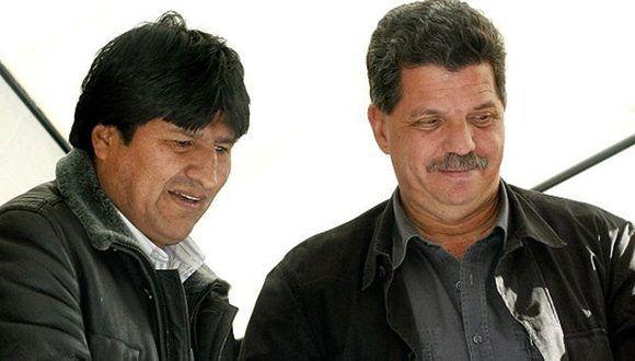 Julio Montes (der.) junto al presidente de Bolivia, Evo Morales. Foto: Archivo.