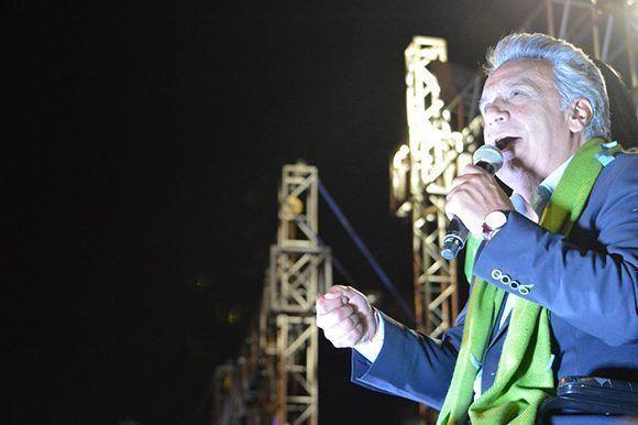 Lenín Moreno, candidato de Alianza PAIS, gana las elecciones en Ecuador con una ventaja de 2,14% sobre Guillermo Lasso. Foto: @Lenín/ Twitter.