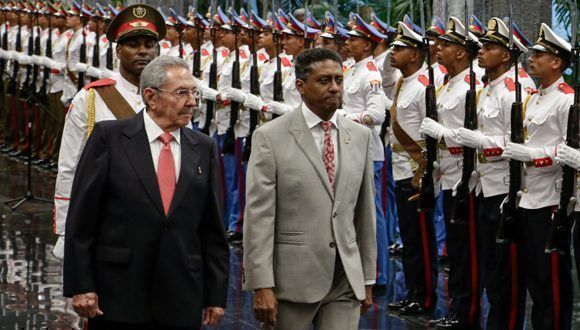 Raul Castro receives President of Seychelles