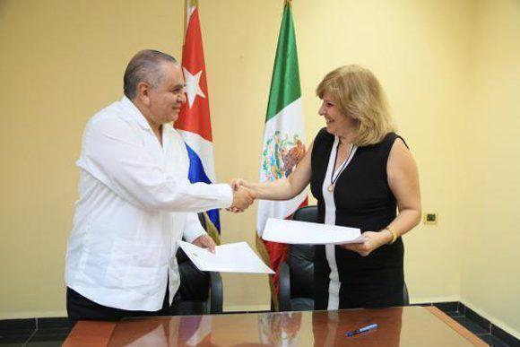 En La Habana tuvo lugar la XI Reunión del Grupo de Trabajo sobre Asuntos Migratorios y Consulares entre la República de Cuba y los Estados Unidos Mexicanos. Foto: Cubaminrex.