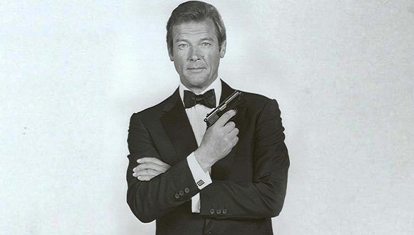 Sir Roger Moore interpretando a James Bond. Foto: www.globallookpress.com
