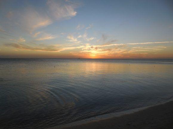 Atardecer en Playa Ancón. Foto; Roberto Ariel Ferrera Romero / Cubadebate
