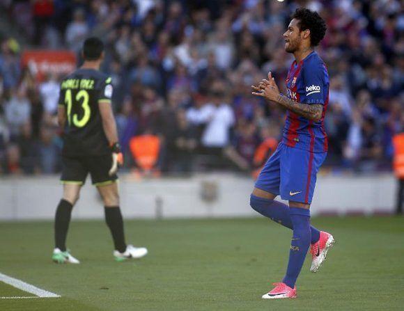 barcelona-derrota-al-villarreal-y-se-mantiene-en-pelea-por-el-titulo-liguero-2