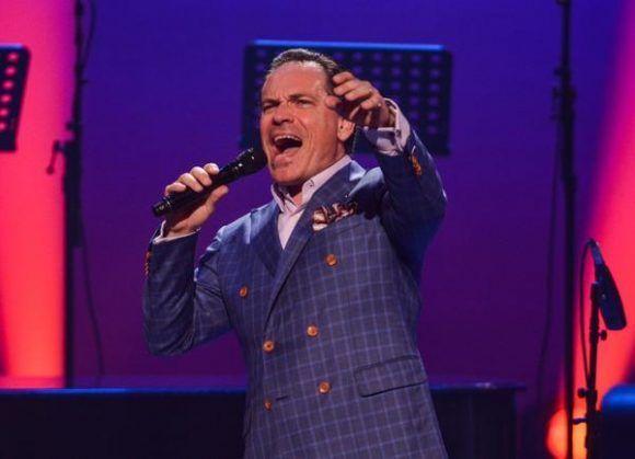 El cantante estadounidense Kurt Elling, durante la gala con motivo del Día Internacional del Jazz, en el Gran Teatro de La Habana Alicia Alonso, Cuba, el 30 de abril de 2017.  ACN FOTO/Marcelino VÁZQUEZ HERNÁNDEZ