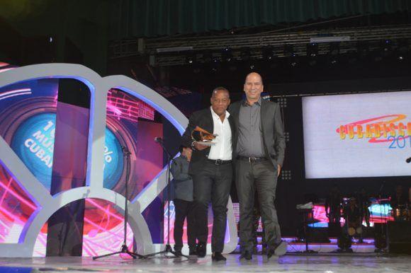 Premios Cubadisco 2017. Elito Revé y José Manuel García. Foto: Marianela Dufflar / Cubadebate
