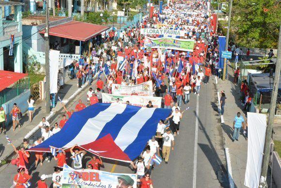 Fortaleza y unidad de la clase obrera en el desfile por el Día Internacional de los Trabajadores, en Matanzas, Cuba, el 1 de mayo de 2017. ACN  FOTO/Víctor  GABRIEL OLIVA /sdl