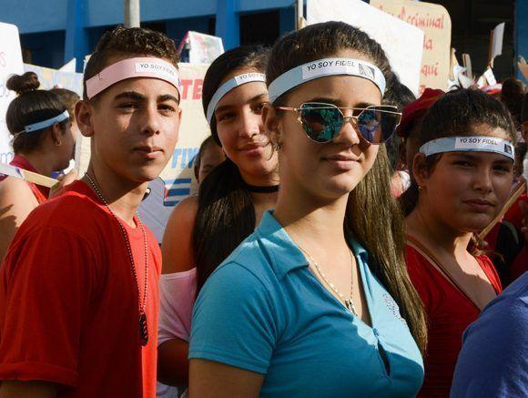 Rostros de jóvenes presente en el desfile por el Primero de Mayo, Día del Proletariado Mundial, en Pinar del Río, Cuba, 1 de  mayo de 2017.   ACN FOTOS/Rafael FERNÁNDEZ ROSELL/sdl