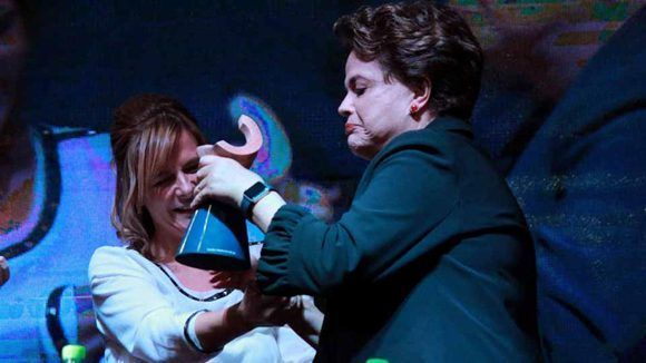 dilma-rousseff-recibe-el-premio-rodolfo-walsh-en-argentina-2