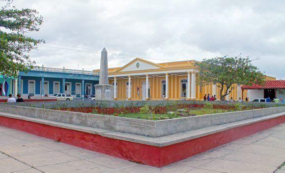Gibara Plaza Colón