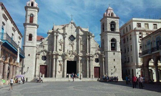 La Catedral de La Habana. Foto: José Antonio Castro / Cubadebate