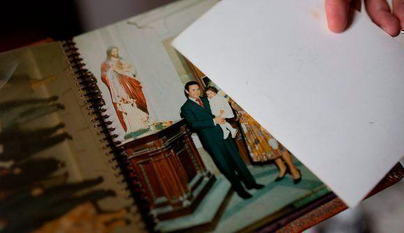 Mariana D y su padre. Foto tomada de Revista Anfibia.