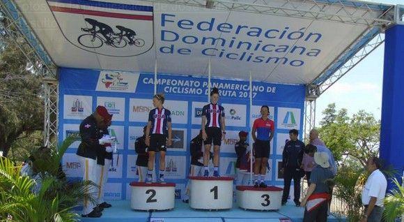 Marlies recibe el bronce panamericano en la contrarreloj. Foto: José Luis Basulto
