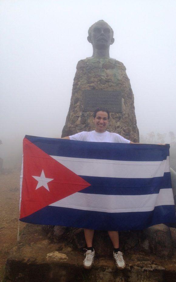 Misión cumplida. En la cima del Pico Turquino. Sierra Maestra. Foto: Annia Lucía González Hernández / Cubadebate