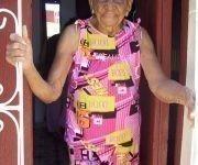 La mayor felicidad de Rita Arminda Castillo Andrade era haber constituido una familia con su esposo. La edad tardía de casamiento se lo impidió.  Camagüeyana reyoya, Tía Niña lleva viviendo más de veinte años en Marianao, en la capital del país. La ciudad de Camagüey, donde nació el 22 de mayo de 1915, nunca la olvida.  Con casi 102 años es un placer conversar con esta humilde mujer, sin que en su rostro se dibujen arrugas.