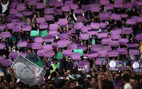 Seguidores de Rohani durante un mitin de apoyo. Foto: AFP.