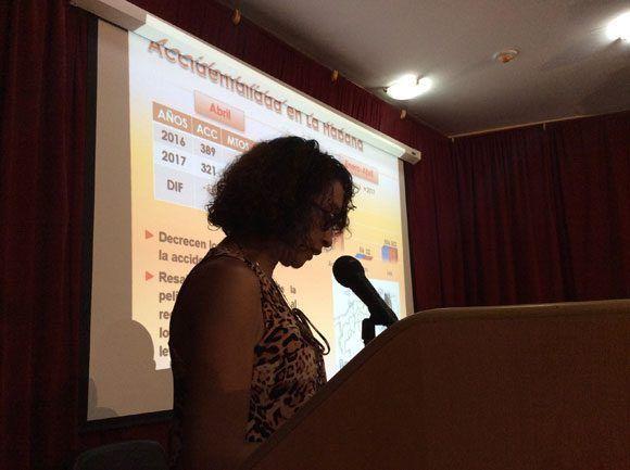 Intervención de la presidenta de seguridad vial en La Habana, Tatiana Viera Hernández.Foto: María del Carmen Ramón/ Cubadebate.