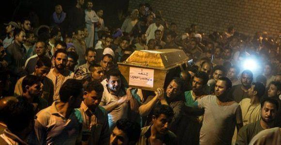 Funeral de los criptianos coptos asesinados el viernes en un atentado, en Egipto. EFE