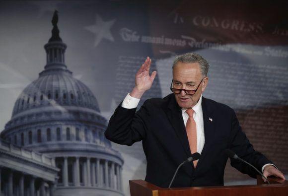 el jefe de la minoría demócrata en el Senado, Chuck Schumer. Foto: AP.