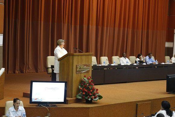 Mary Blanca ortega pronunció las palabras de bienvenida al evento. Foto: Adolfo Ley.