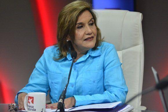 Elba Rosa Pérez Montoya, titular del ramo recordó al inicio de la Mesa que este plan es una continuidad del pensamiento del líder histórico de la Revolución Cubana, Fidel Castro Ruz.
