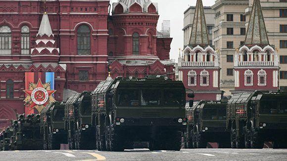 Sistemas de misiles de corto alcance Iskander en la Plaza Roja. Foto: Alexandr Vilf/ Sputnik.
