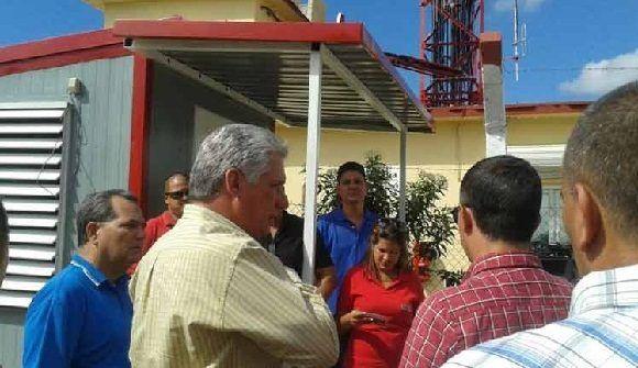 Visita Díaz-Canel moderno centro transmisor de señales de TV digital