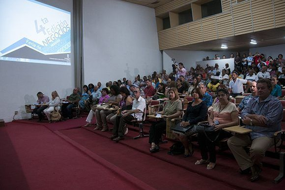 Inició IV Foro de Negocios en Cuba. Foto: Irene Pérez/ Cubadebate.