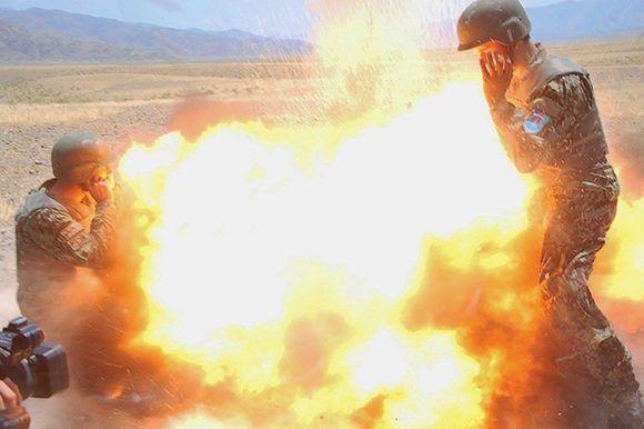 Foto tomada por el soldado afgano a quien Clayton estaba entrenando y que también murió en el accidente.Derechos de autor de la imagenEJÉRCITO DE EE.UU. Image caption Esta foto fue tomada por el soldado afgano a quien Clayton estaba entrenando y que también murió en el accidente. Foto: Ejército de EEUU.